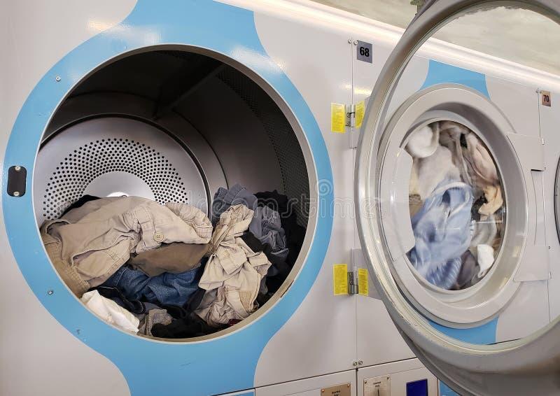 Высушенная прачечная одежды публично стоковая фотография rf