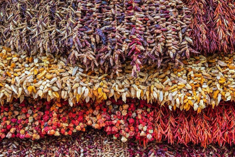 Высушенные заводы на рынке в Фуншале на острове Мадейре, Португалии стоковое изображение rf