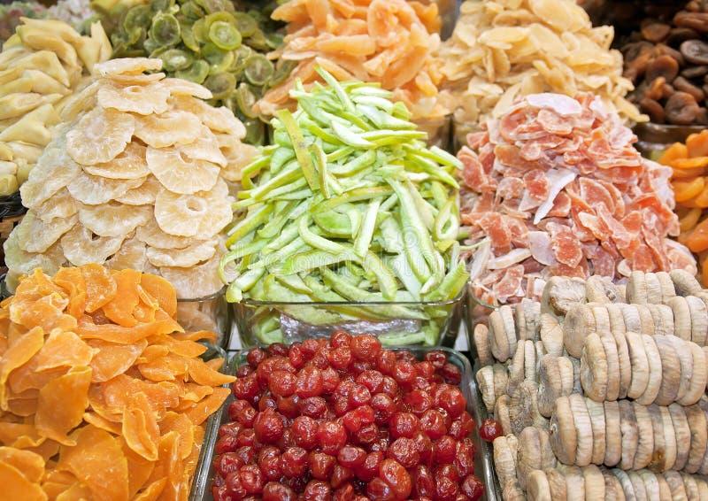 Высушенные плодоовощи на базаре специи, Стамбуле стоковая фотография rf