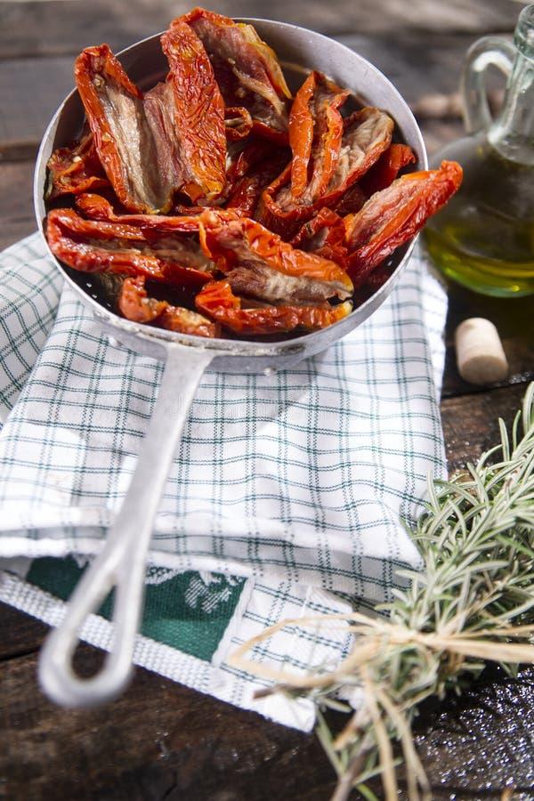 Высушенные томаты с розмариновым маслом стоковые фото
