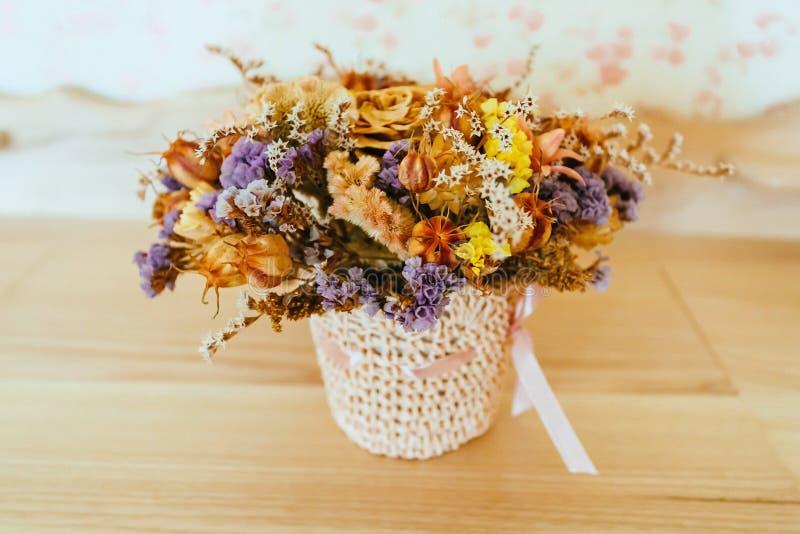 Высушенные цветки луга стоковое изображение rf