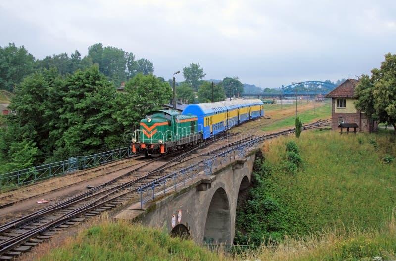 выходить поезд станции пассажира стоковая фотография