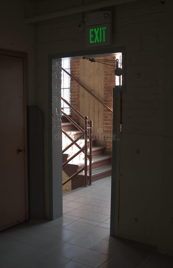 Download выход двери стоковое изображение. изображение насчитывающей путь - 485859