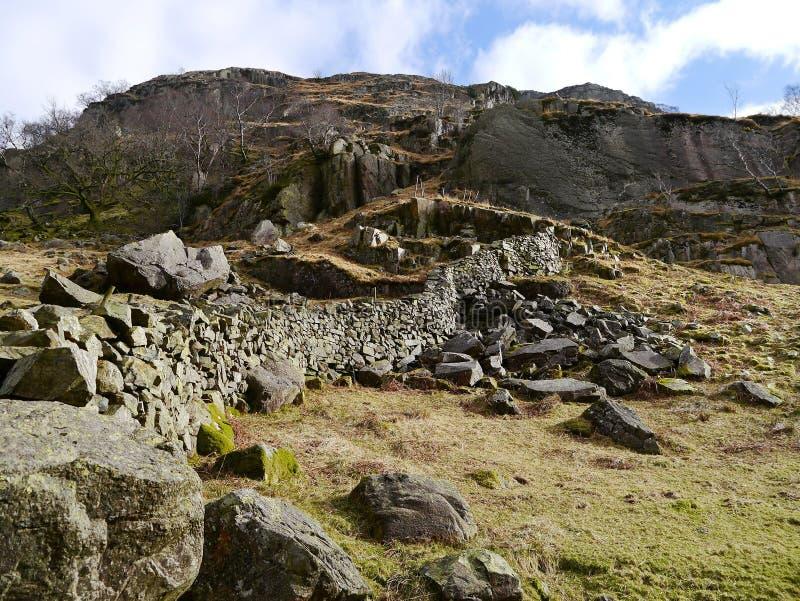 Вышедшая из употребления зона карьера в долине Langstrath, районе озера стоковые фото