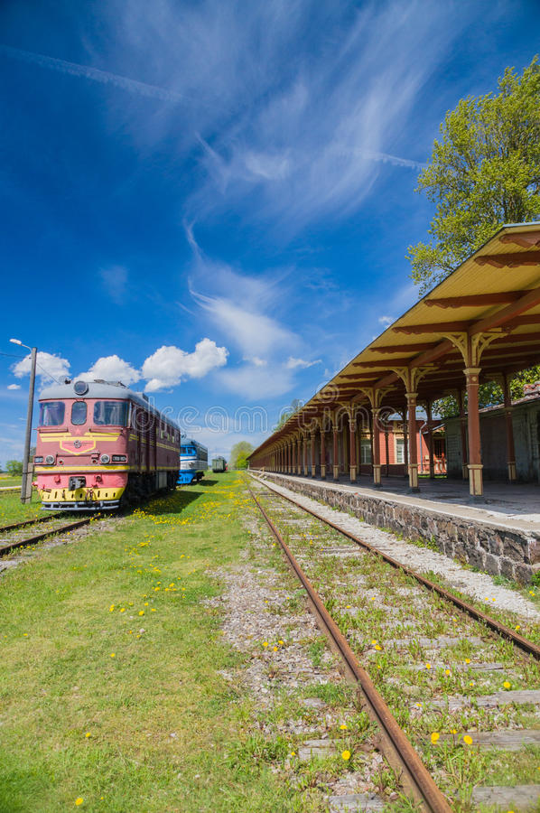Вышедший из строя железнодорожный вокзал в Haapsalu, Эстонии стоковое изображение rf