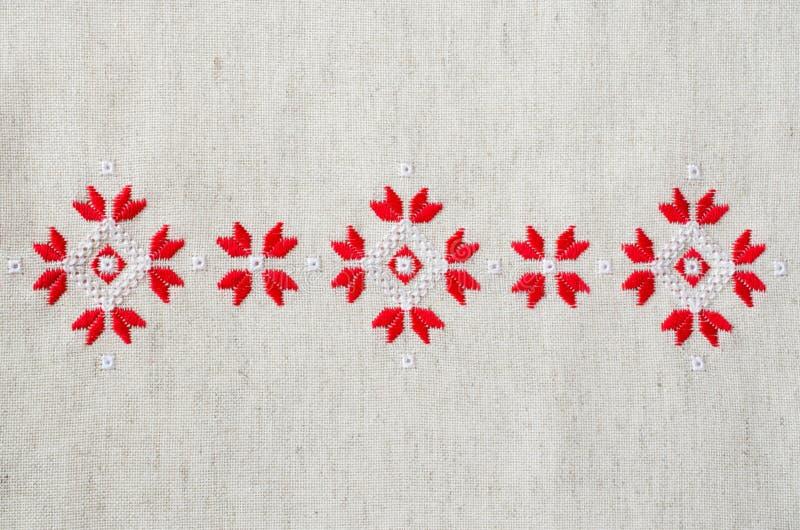 Вышивка крестом красными нитками #можно завязывать красную 44