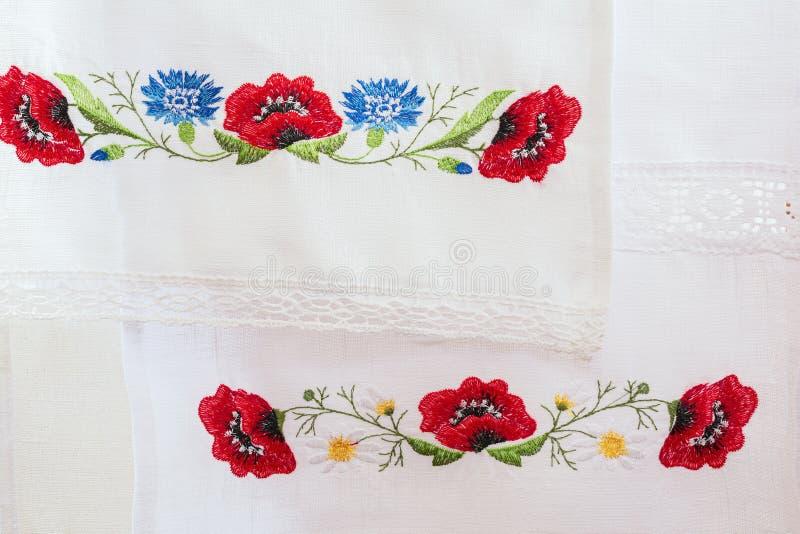 Вышитый цветочный узор стоковые изображения rf