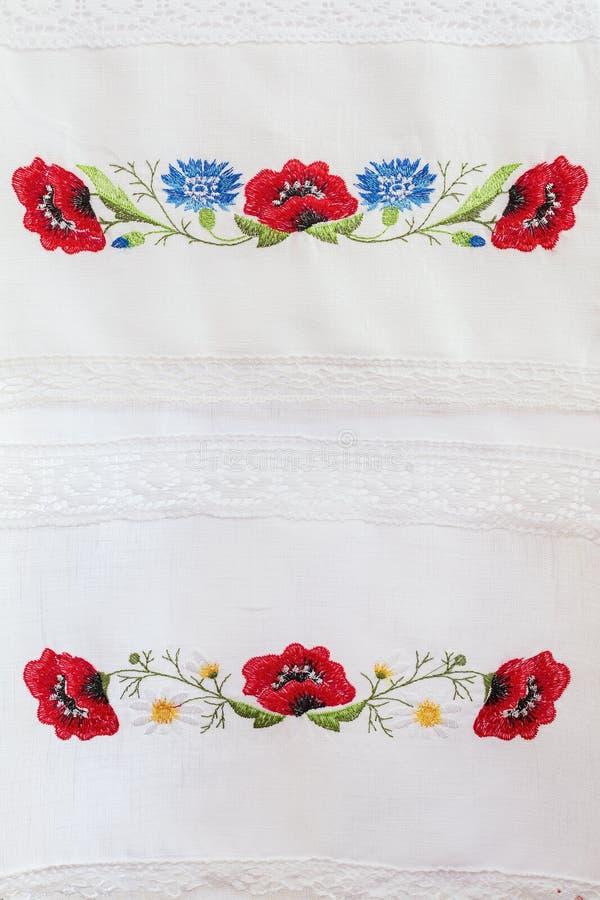 Вышитый цветочный узор стоковое изображение rf