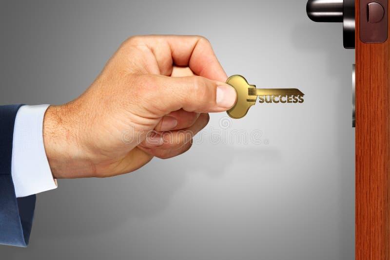 Вы держите ключ к успеху стоковые изображения rf