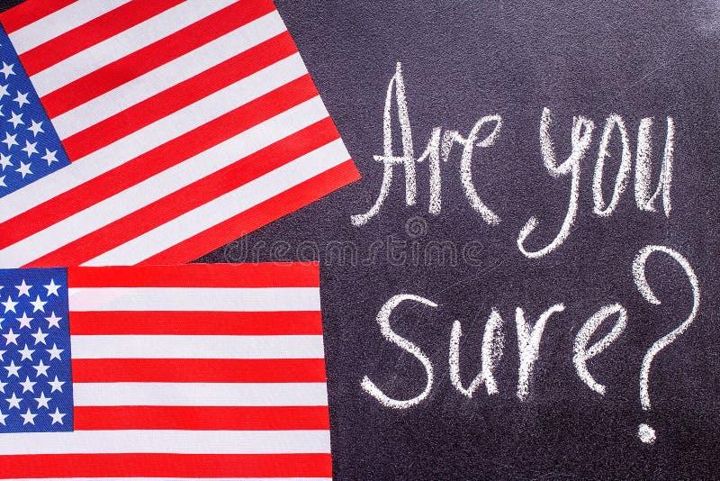 Вы конечно на доске мела и флаге США иллюстрация штока