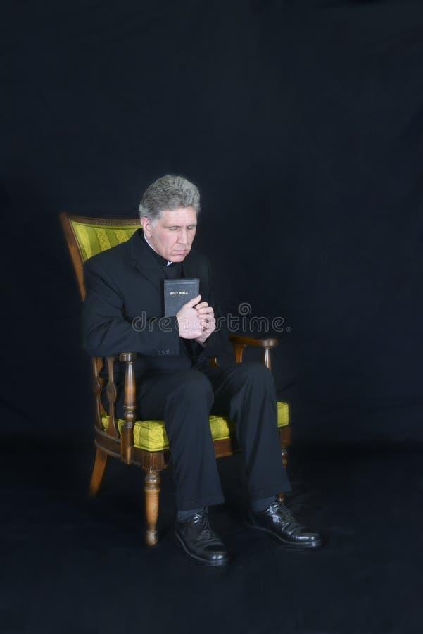 Священник, проповедник, Mинистр, вероисповедание пастора, молитва стоковое изображение