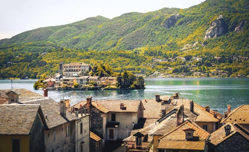 Влияние антиквариата зоны Пьемонта провинции Новары orta озера Итали стоковое изображение