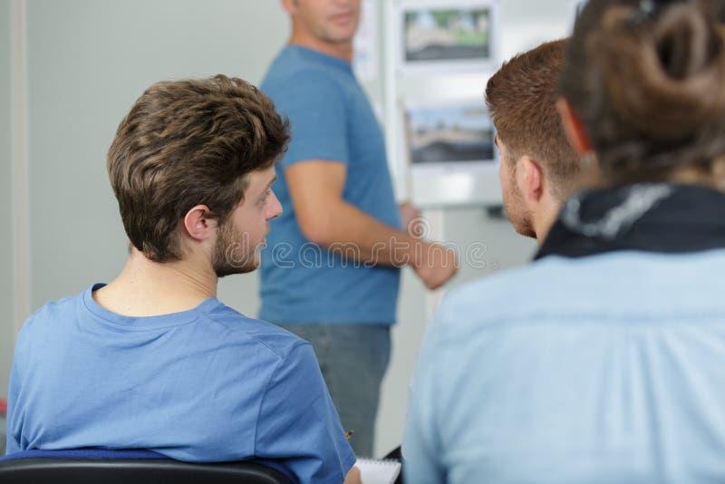 В комнате управляя школы стоковые изображения rf