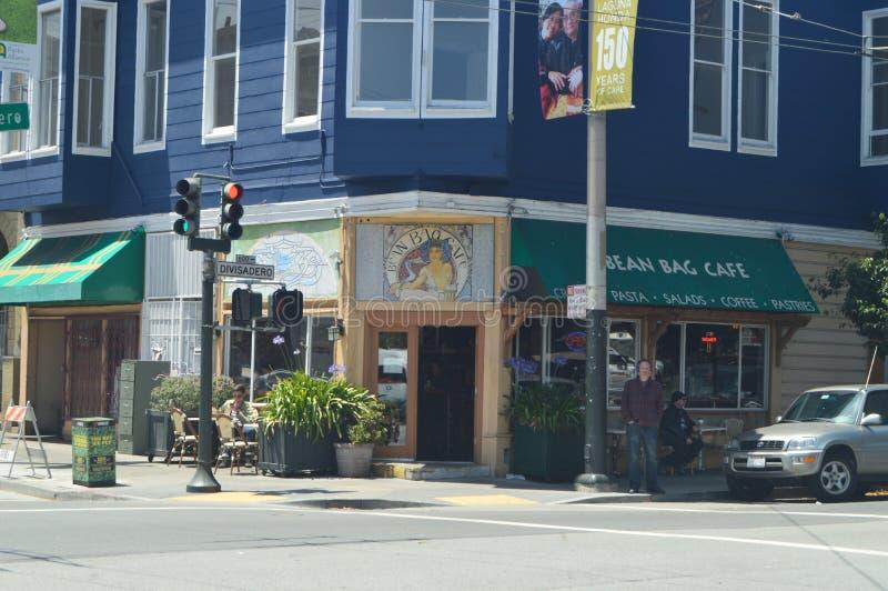 В нашей прогулке через улицы Сан-Франциско мы находим этот типичный итальянский ресторан Праздники Arquitecture перемещения стоковая фотография