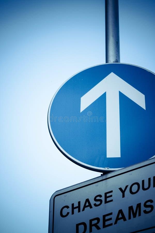 вдохновляющий дорожный знак стоковое изображение rf