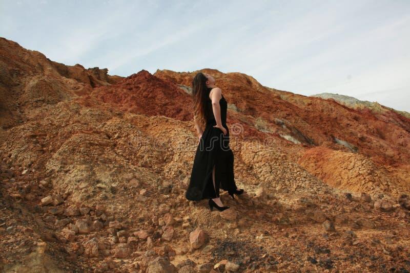 В пустыне стоковое фото rf