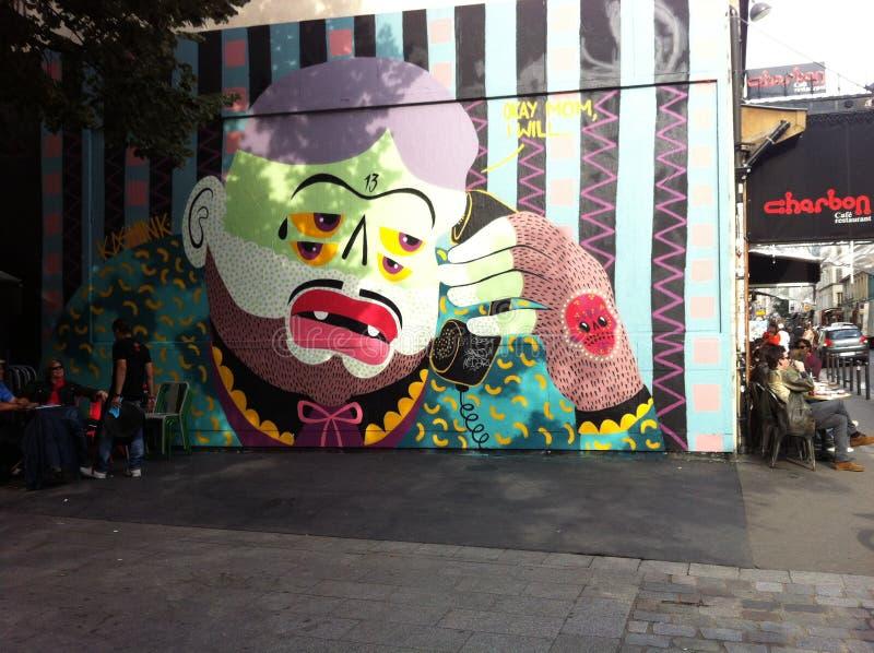 В стиле фанк красочная настенная роспись человека стоковые фотографии rf