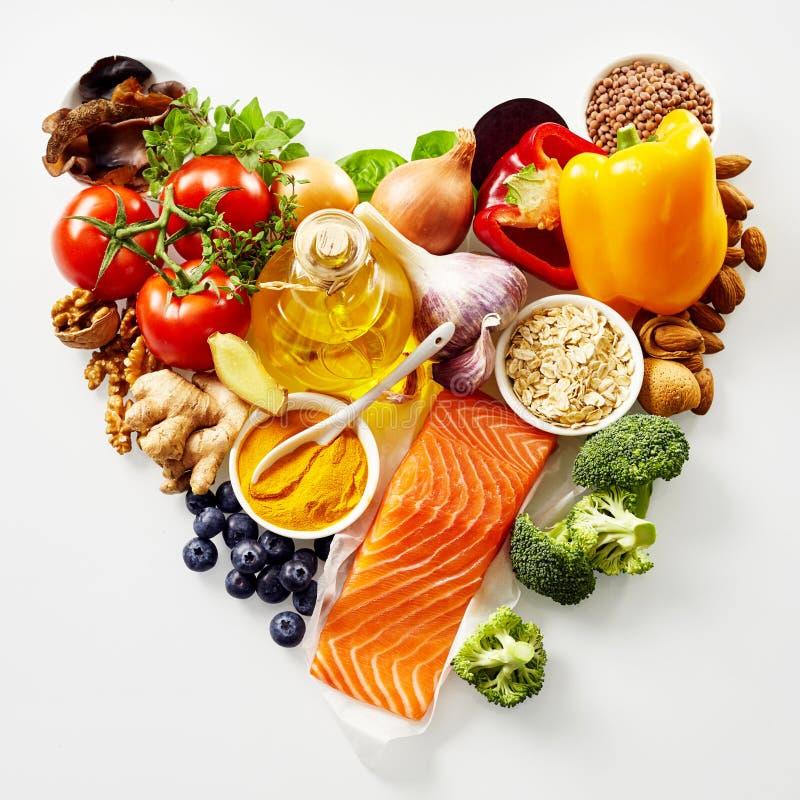 в форме Сердц натюрморт здоровой еды стоковые изображения rf