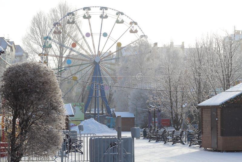 В холоде, все езды в парке не работают стоковое фото