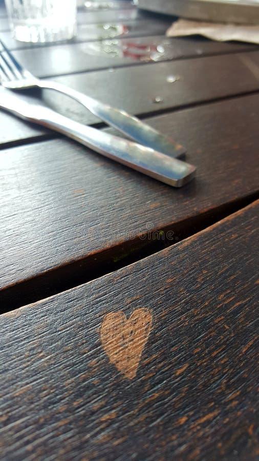 Влюбленность в ресторане стоковые фотографии rf