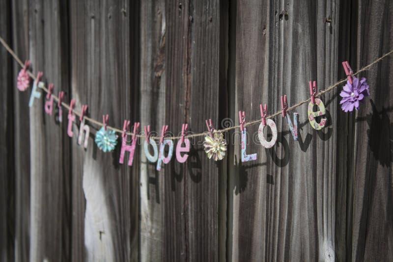 Download Влюбленность надежды веры стоковое фото. изображение насчитывающей цветасто - 40585270