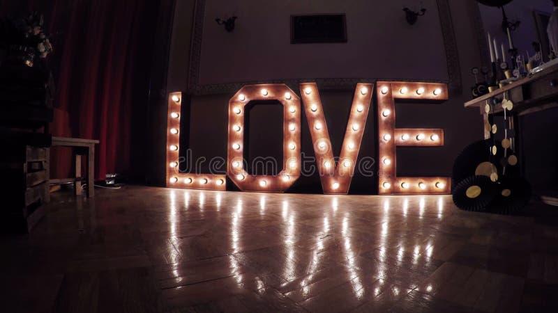 Влюбленность надписи горящая сток-видео
