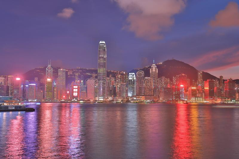 Гавань Виктории, горизонт Гонконга на ноче стоковое фото rf