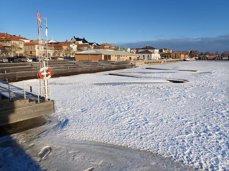 Гавань в зиме - Hudiksvall стоковое изображение rf