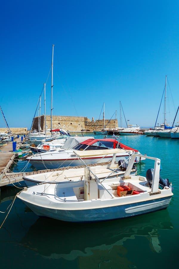 Гавань ираклиона и крепость, Крит стоковая фотография rf