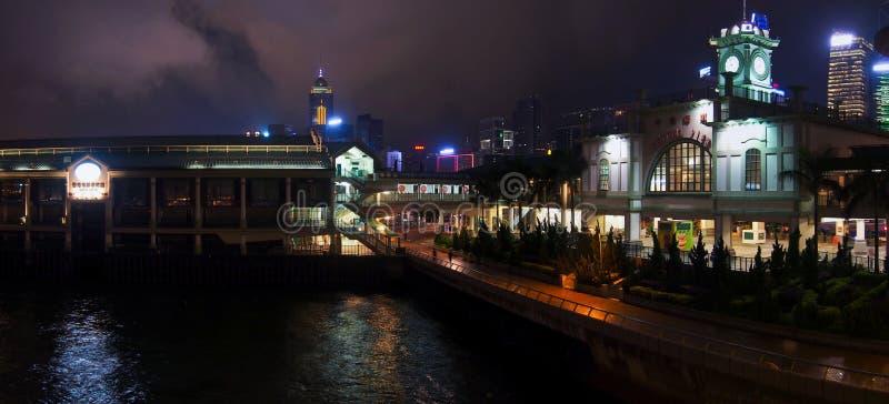 Гавань и nighttime Гонконга стоковые изображения rf