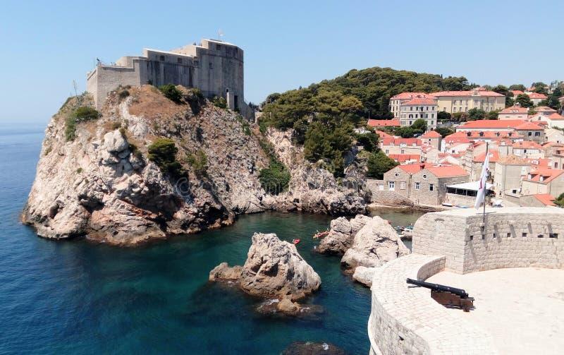 Гавань Хорватии - Дубровника западная от старых стен городка стоковое фото