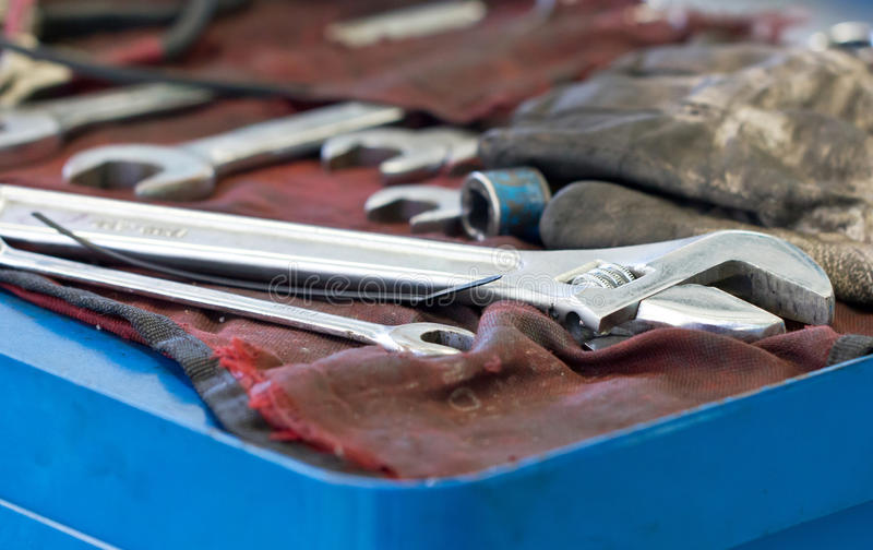 Гаечные ключи и ключ стоковые изображения rf