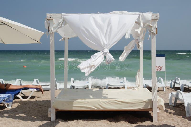 Газебо на пляже - сень стоковое фото