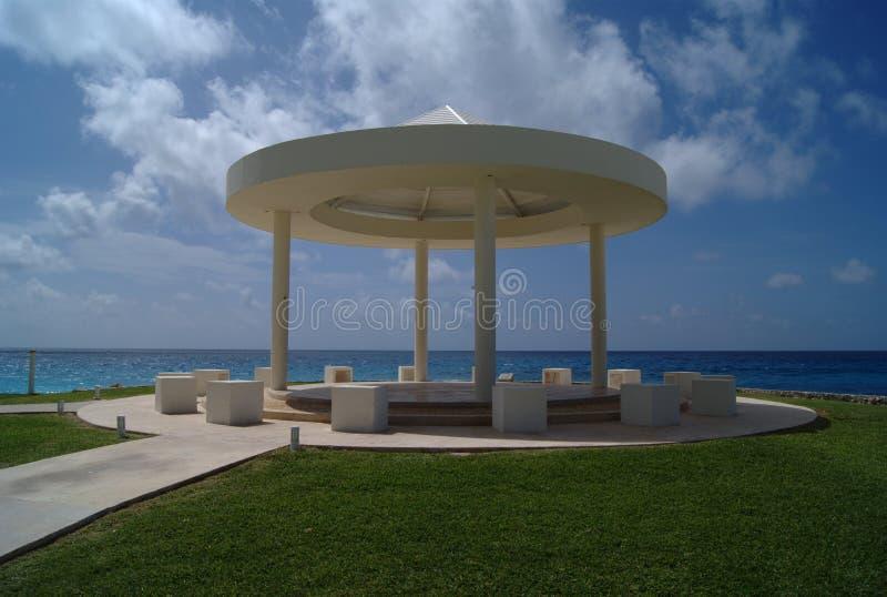 Газебо шатер свадьбы на пляже Павильон стоковое фото rf