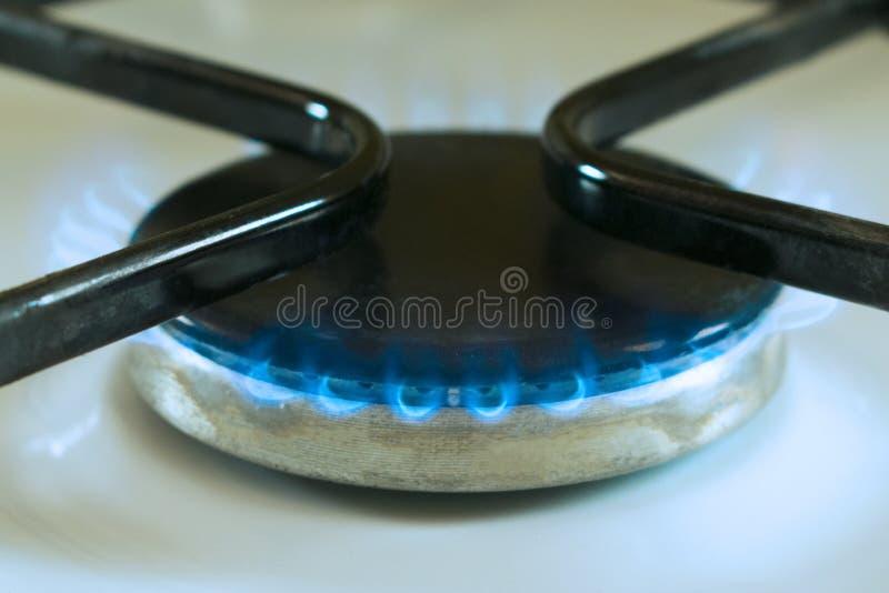 Газовая горелка с голубым огнем стоковое изображение rf