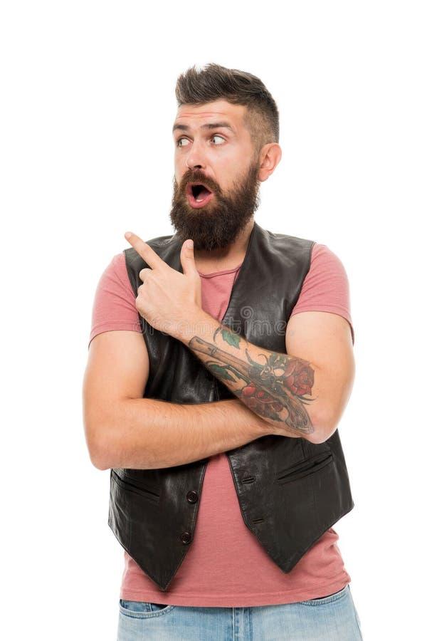 Гай указывая с указательным пальцем Холить парикмахерскаи и бороды Вводить бороду и усик в моду Холить бороды тенденции моды стоковое фото rf