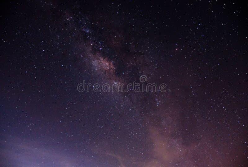 Галактика млечного пути на небе стоковое фото rf