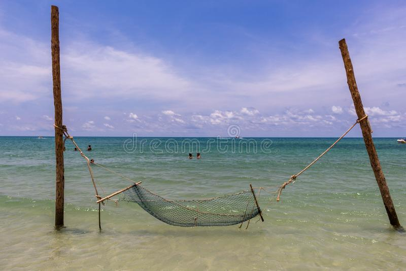 Гамак на Koh Phangan Таиланде пляжа бутылки стоковые изображения rf