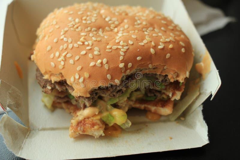 Гамбургер в коробке коробки стоковое изображение