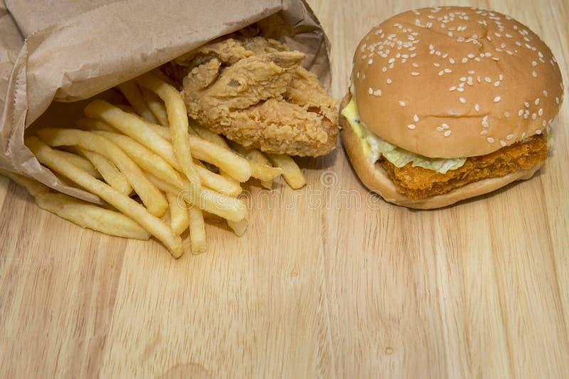 Гамбургер фаст-фуда установленный большой стоковая фотография rf