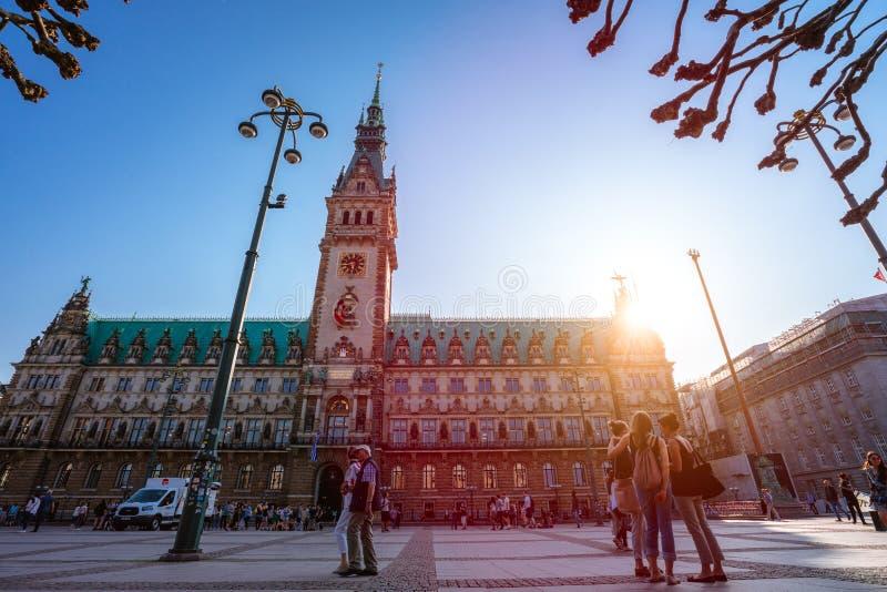 Гамбург, Германия - 20-ое апреля 2018: Известная ратуша в Гамбурге стоковое фото