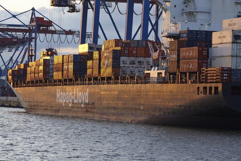 Гамбург - сосуды контейнера на терминальном Burchardkai стоковые изображения rf