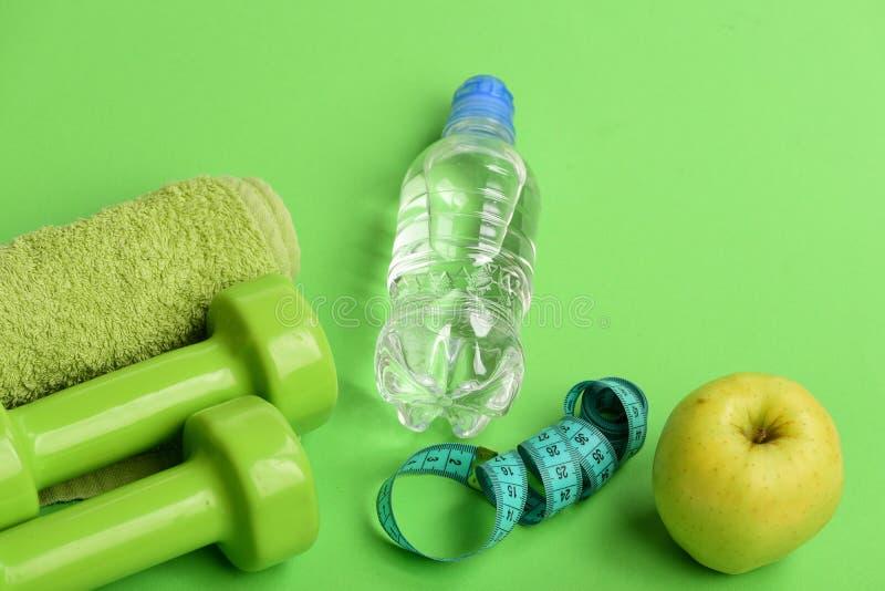 термоэтикетку красивые картинки бутылка воды гантеля прориенце карточка ресторана амур