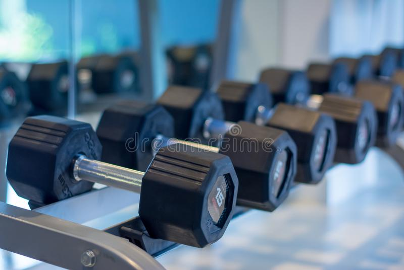 Гантель для фитнес-центра спорта стоковые изображения rf