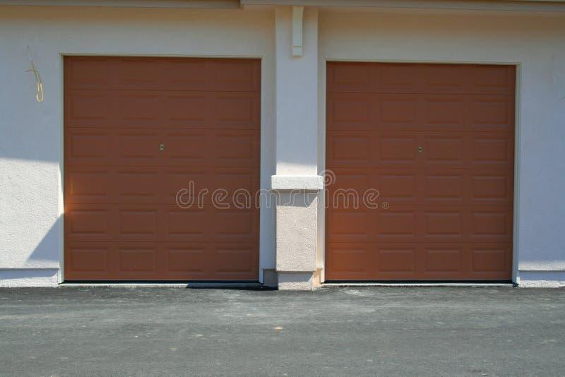гараж дверей стоковые фото