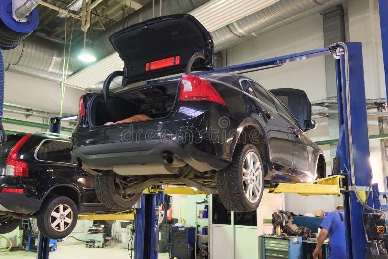 Гараж ремонта автомобиля стоковое фото