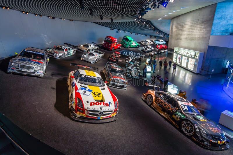Галерея спорт и гоночные автомобили различных классов стоковое изображение