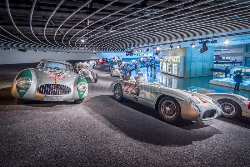 Галерея спорт и гоночные автомобили различных классов стоковое изображение rf