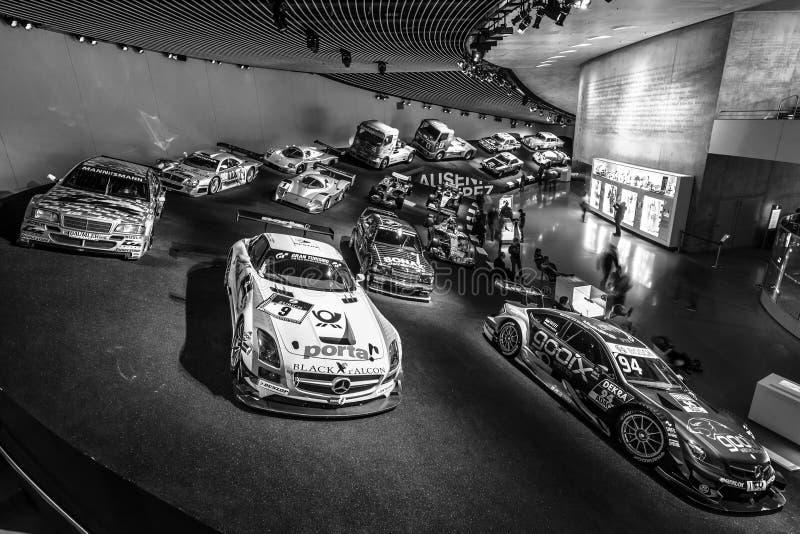 Галерея спорт и гоночные автомобили различных классов стоковые изображения
