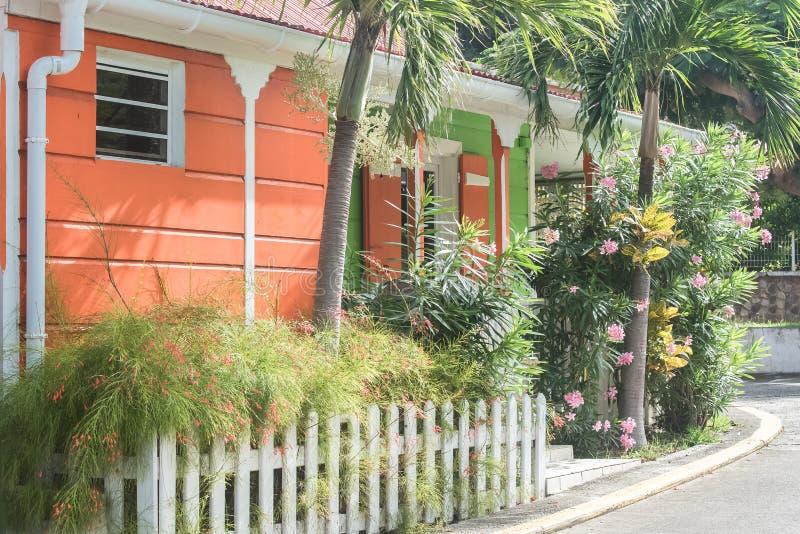 Гваделупа, типичные дома стоковая фотография rf